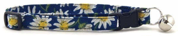 Blue Daisies Cat Collar