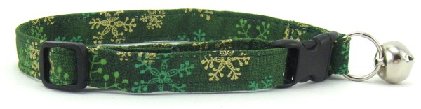 Green and Gold Snowflakes Cat Collar