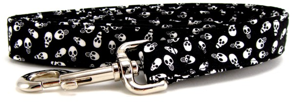 Tiny Skulls Dog Leash